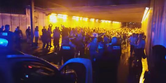 Les supporters irlandais font chanter … la police !