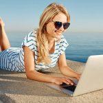 Guide: comment organiser ses vacances entièrement sur Internet?